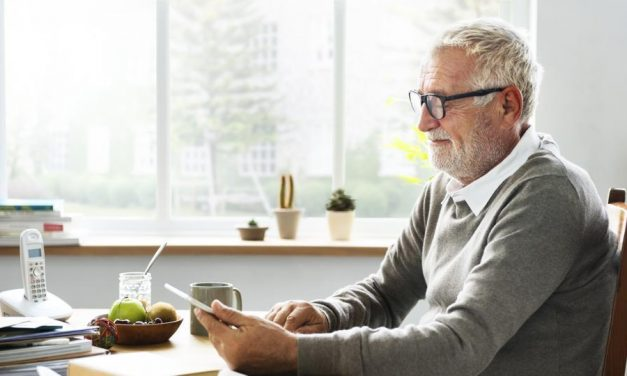 Tips for Caregivers to Improve Communication with Dementia Patients