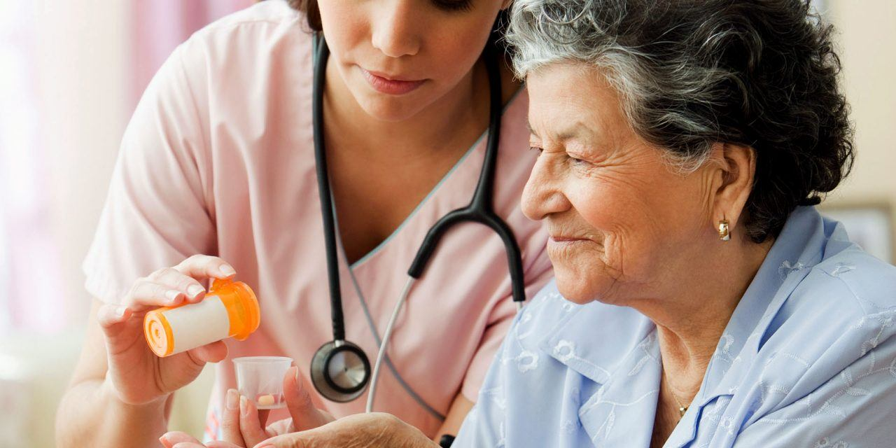 5 Reasons to Become a Home Care Aide