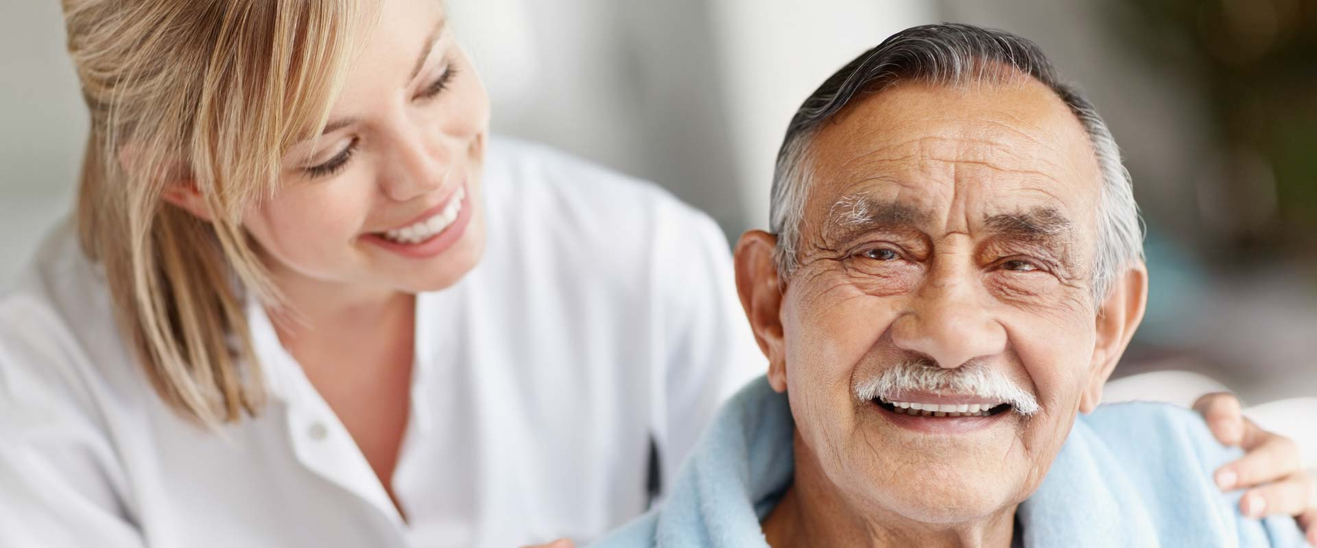 long term care Long-term care nurses help those who need extended care they work in a nursing home or out of patients' homes a long-term care nurse looks after patients who need care for an extended period due to a disability or illness.