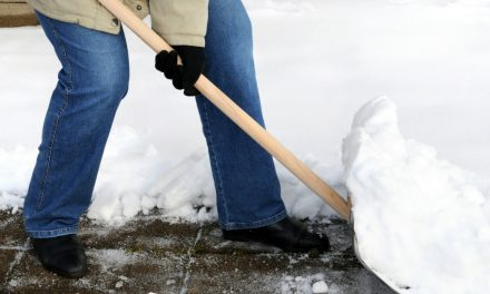 Tips to Prevent Seniors From Falling This Winter