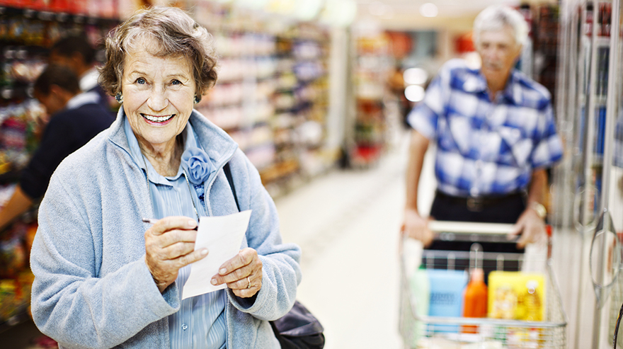 4 Tips on How Elders Can Save Money on Groceries