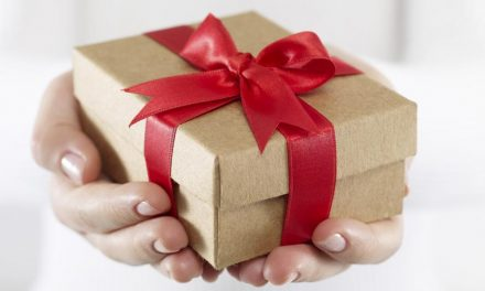 Gift-Giving Tips for Seniors