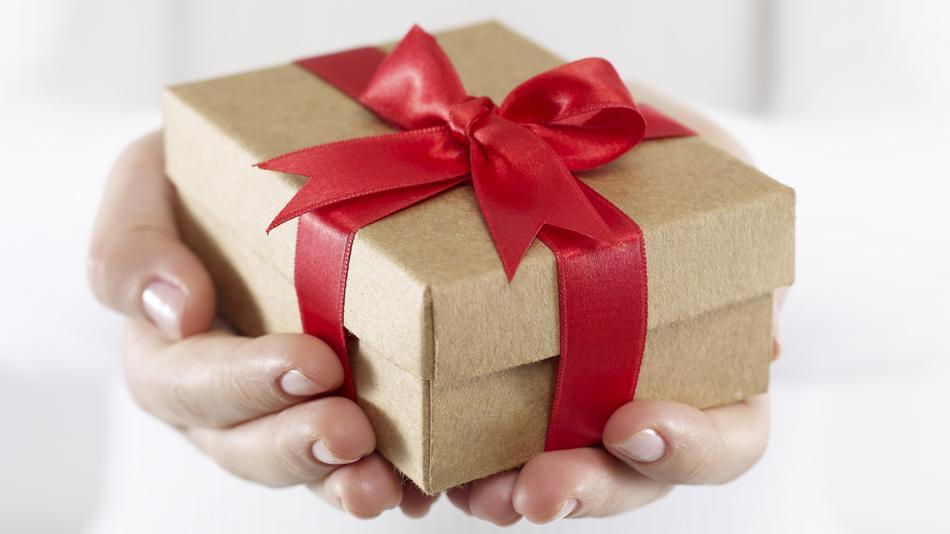 Gift-Giving Tips for Seniors