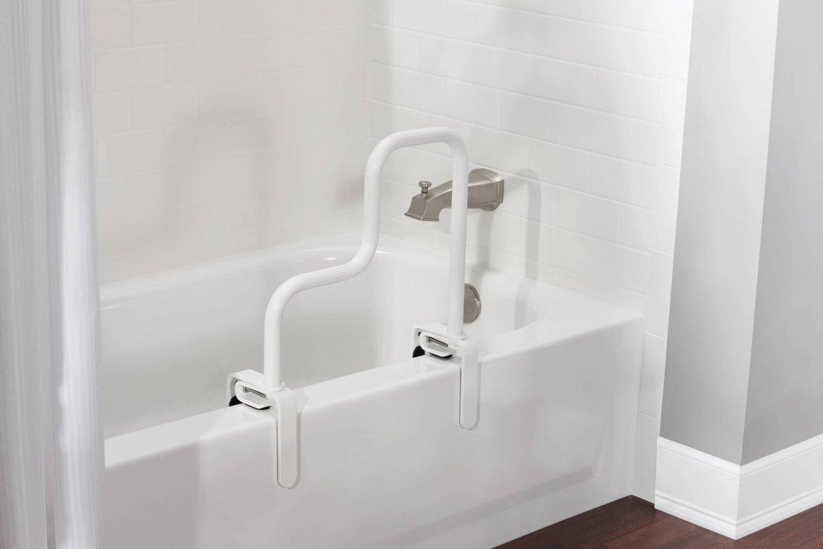Shower safety tips for seniors 1