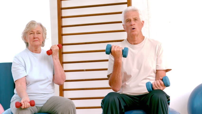 Ways for Elderly to Build Muscle 1