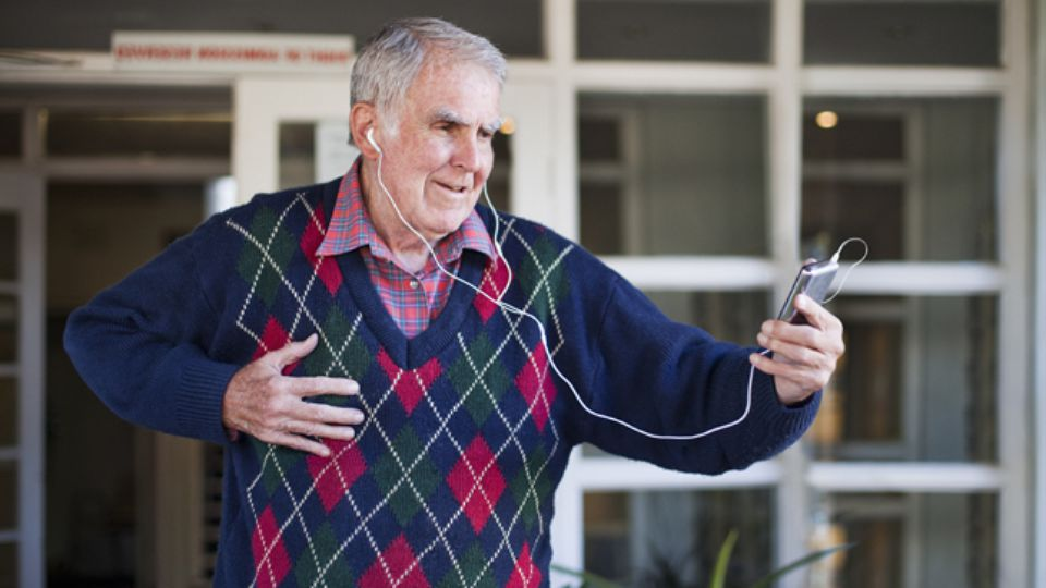 Benefits of music for older adults 1