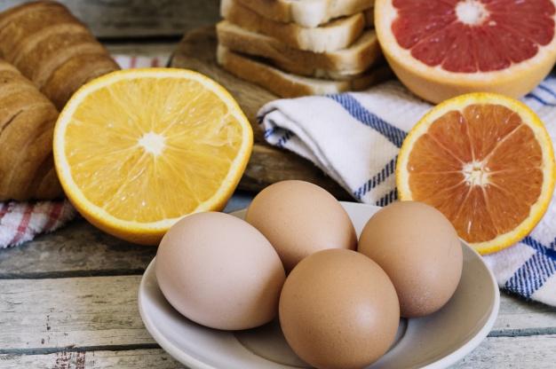 Foods for seniors that improve eye health 1