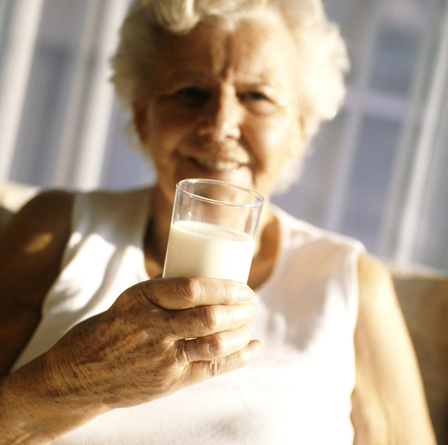 health benefits of milk for seniors
