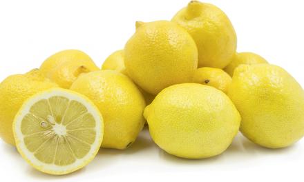 4 Health Benefits of Lemons for Seniors