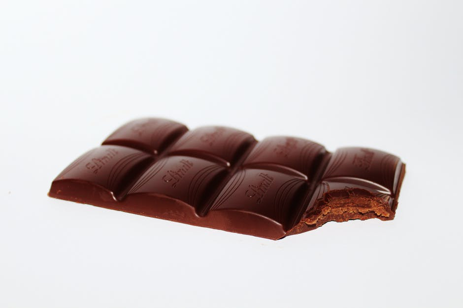 5 Major Benefits of Dark Chocolate for Older Adults