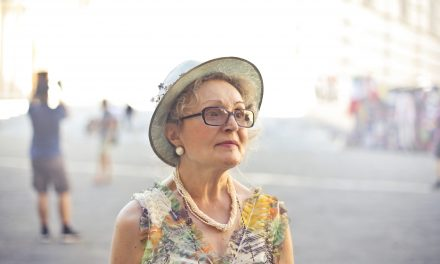 4 Style Tips for Aging Women