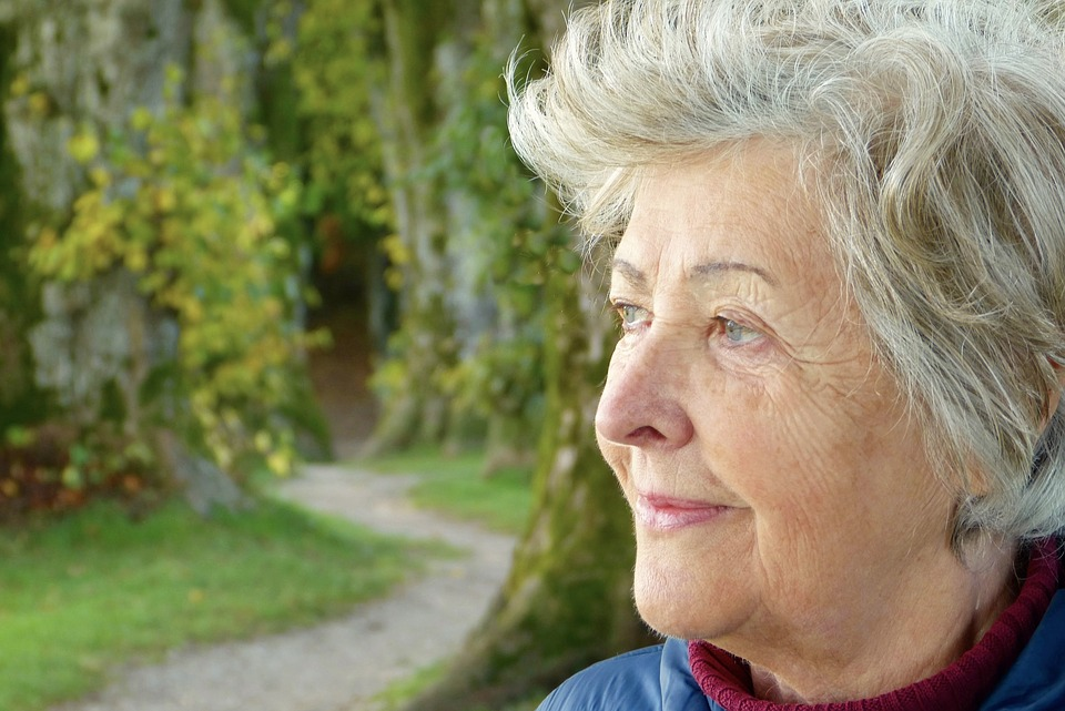 why older adults should spend time outside