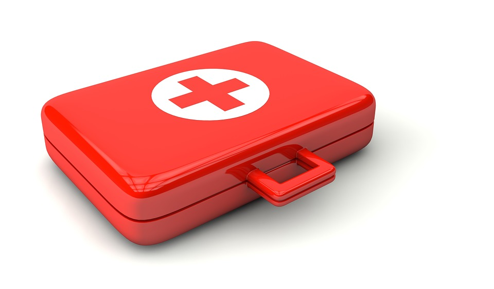 4 Items Every Holistic First Aid Kit Should Have