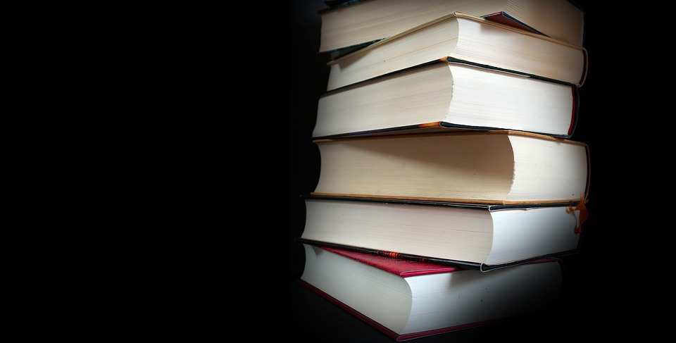 5 reasons why older adults should join a book club