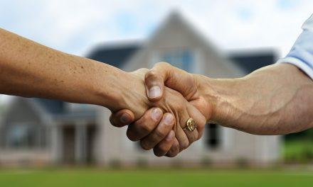 How to Decide Between Assisted Living and In-Home Care