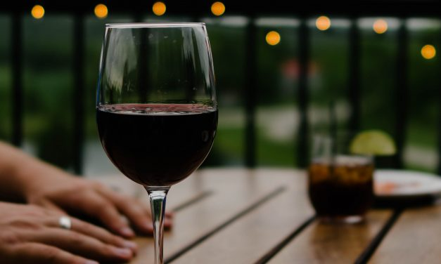 Aging and Alcohol: Is Red Wine Really Good for You?