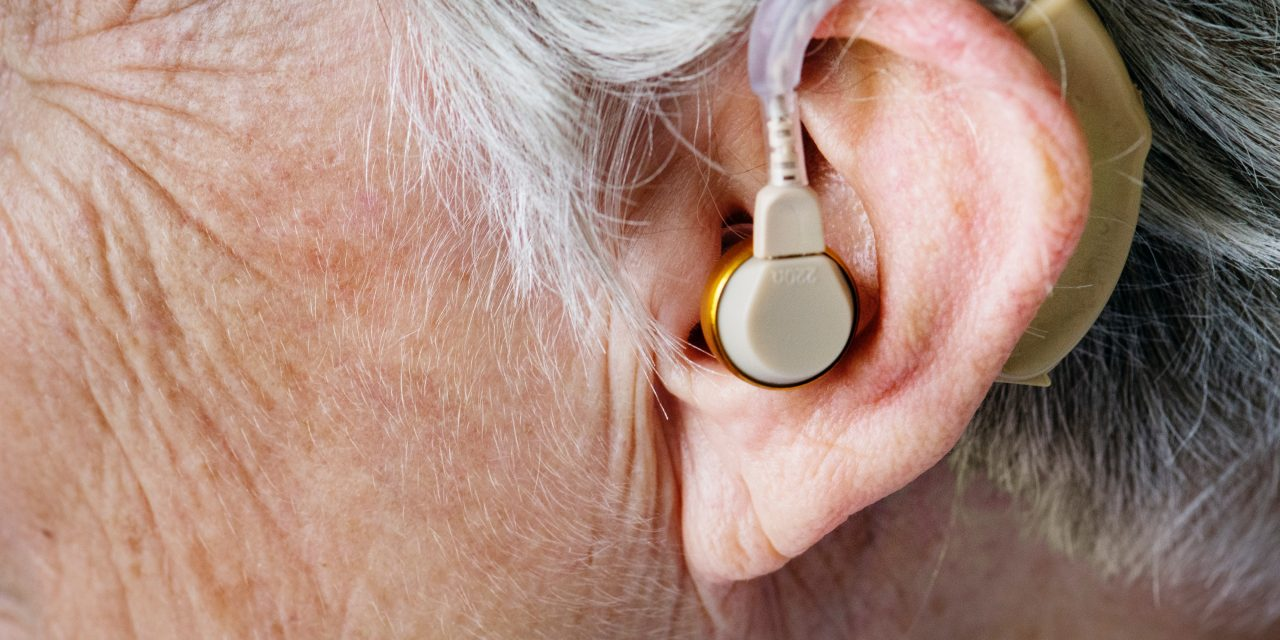 Hearing Loss in the Elderly: Common Signs