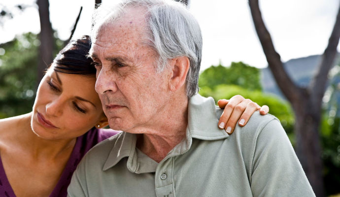 Moving to Assisted Living: 5 Ways to Know When It's Needed
