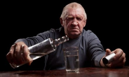 6 Tips for Managing Dementia and Alcohol Abuse