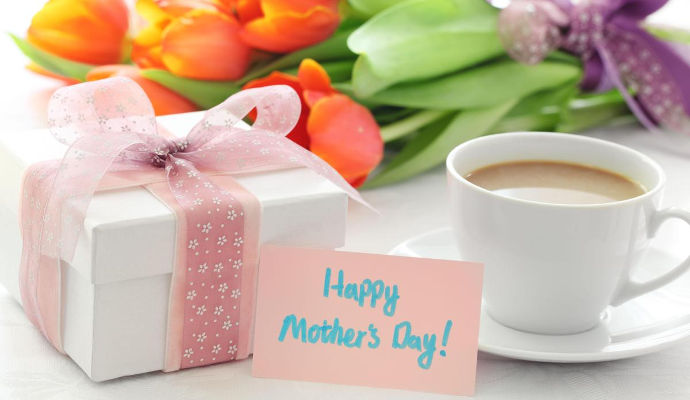 Dozens of Thoughtful Mother's Day Gifts She'll Love