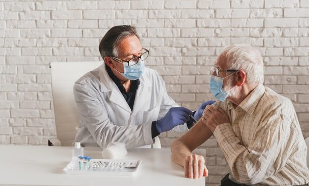 How to Prepare Seniors For the Covid-19 Vaccine